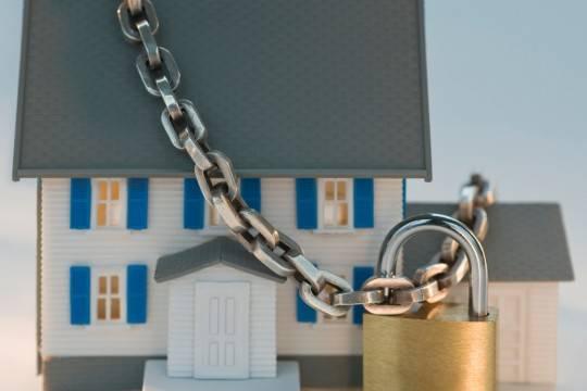 Удолжников могут отобрать единое  жилье