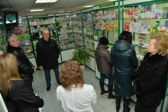 Валерий Радаев поручил оптимизировать аптечную сеть